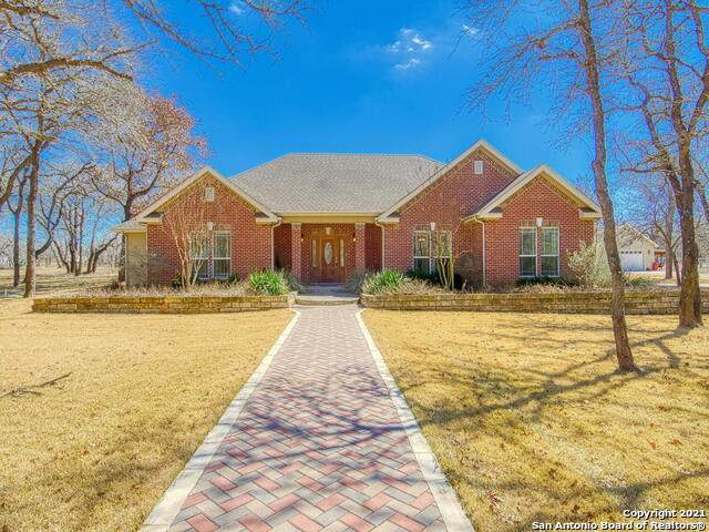 1993 Bentwood Dr, Floresville, TX 78114 (MLS #1511408) :: The Castillo Group