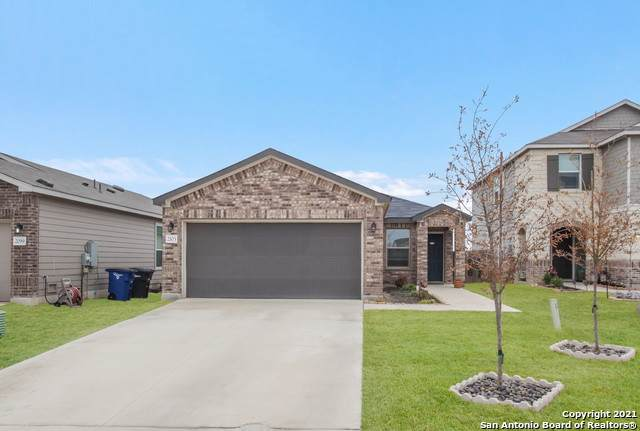 2103 Wind Chime Way, New Braunfels, TX 78130 (#1511638) :: The Perry Henderson Group at Berkshire Hathaway Texas Realty