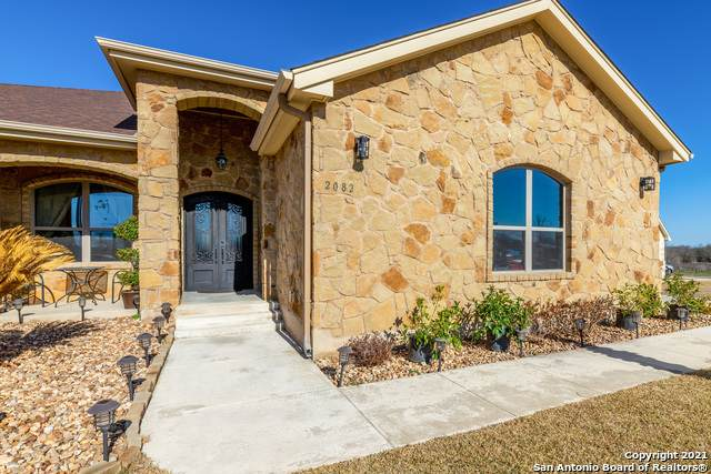 2082 Town Creek Rd, Cibolo, TX 78108 (MLS #1512137) :: The Castillo Group