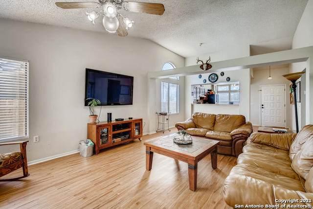 10014 Nugget Crk, Converse, TX 78109 (MLS #1512408) :: Keller Williams City View