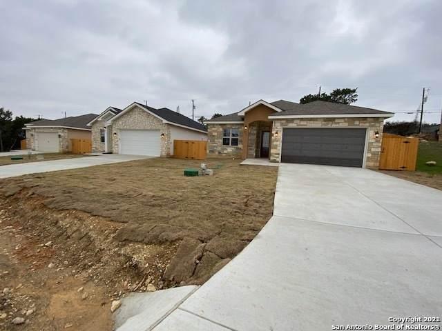 639 Hummingbird Hl, Canyon Lake, TX 78133 (MLS #1512550) :: Vivid Realty