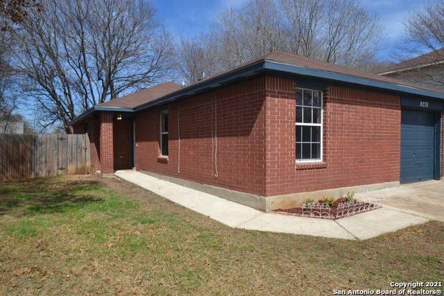 9279 Encino Village, San Antonio, TX 78250 (MLS #1512589) :: Sheri Bailey Realtor