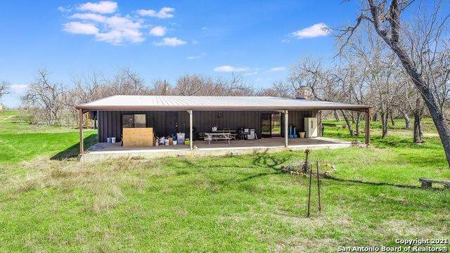 5180 Odaniel Rd, Seguin, TX 78155 (MLS #1512642) :: Keller Williams Heritage