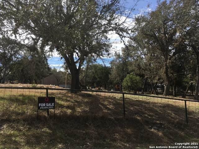463 White Bass Dr, Lakehills, TX 78063 (MLS #1512858) :: Carolina Garcia Real Estate Group
