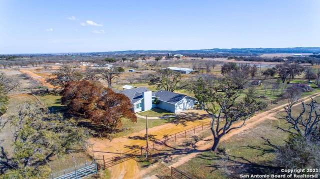 243 Danz Ln, Fredericksburg, TX 78624 (MLS #1512920) :: The Glover Homes & Land Group