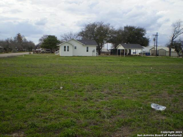 TBD 20TH ST, Hondo, TX 78861 (MLS #1513049) :: The Gradiz Group