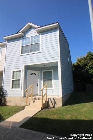 4 Bratton Dr, San Antonio, TX 78245 (MLS #1513248) :: The Glover Homes & Land Group