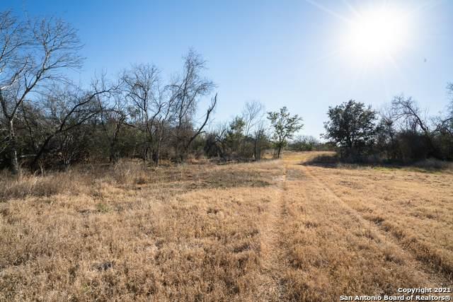 0002 Bluntzer Rd., Jourdanton, TX 78026 (MLS #1513291) :: Keller Williams Heritage