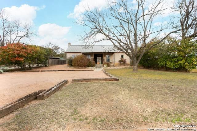 406 Cross Mountain Dr, Fredericksburg, TX 78624 (MLS #1513408) :: Carter Fine Homes - Keller Williams Heritage