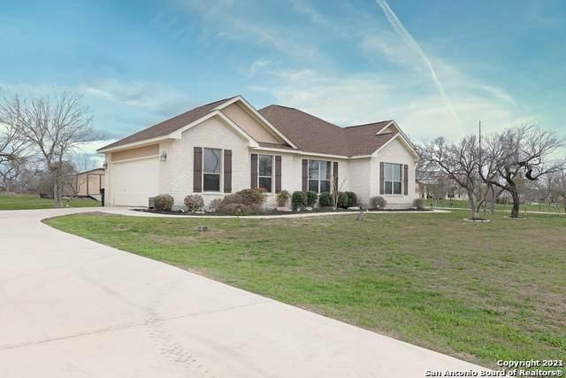 1015 County Road 367, Hondo, TX 78861 (MLS #1513591) :: Tom White Group