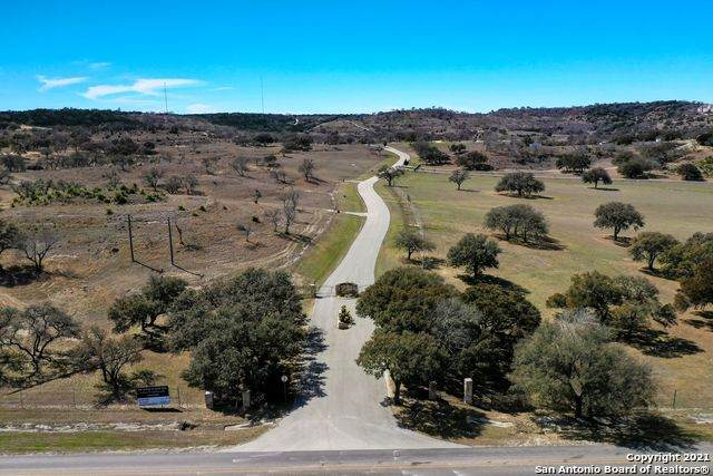 90 Vista Real Ave, Boerne, TX 78006 (MLS #1513607) :: Tom White Group