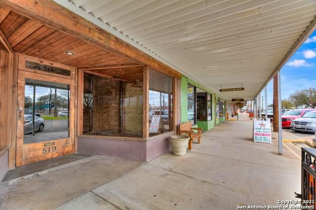 519 E Davis St, Luling, TX 78648 (MLS #1514026) :: Concierge Realty of SA
