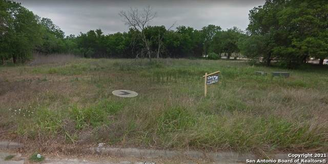 903 Club View S, Seguin, TX 78155 (MLS #1514210) :: EXP Realty