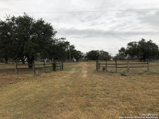 16161 N Interstate 35, Moore, TX 78057 (MLS #1514361) :: The Castillo Group