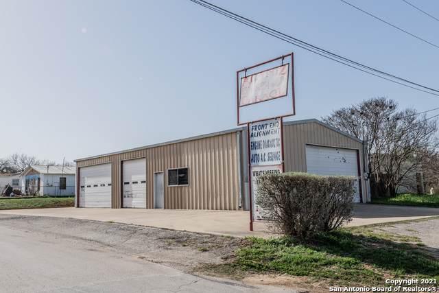 201 Kearney St, Natalia, TX 78059 (MLS #1514548) :: 2Halls Property Team | Berkshire Hathaway HomeServices PenFed Realty