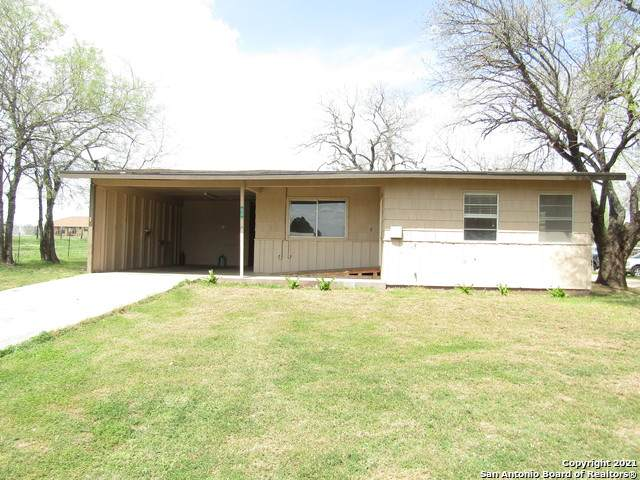 8715 S Fm 2790, Somerset, TX 78069 (MLS #1514621) :: REsource Realty