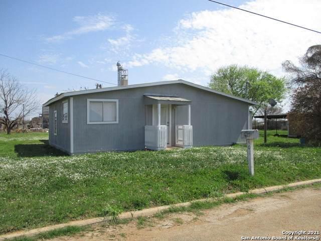401 S Trueheart, Dilley, TX 78017 (MLS #1514733) :: Neal & Neal Team
