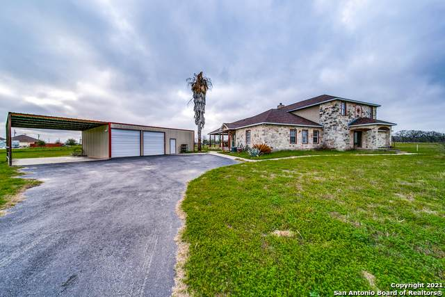 107 Ranch Country Dr, La Vernia, TX 78121 (MLS #1514758) :: The Lugo Group