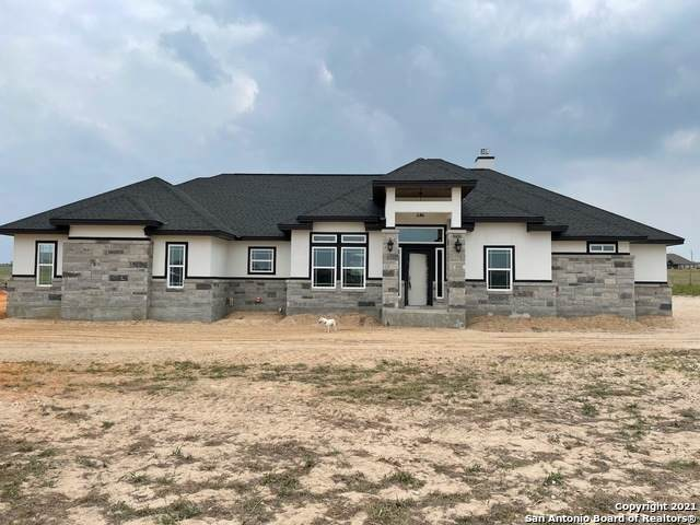 191 Triple R Dr, La Vernia, TX 78121 (MLS #1514814) :: Carolina Garcia Real Estate Group