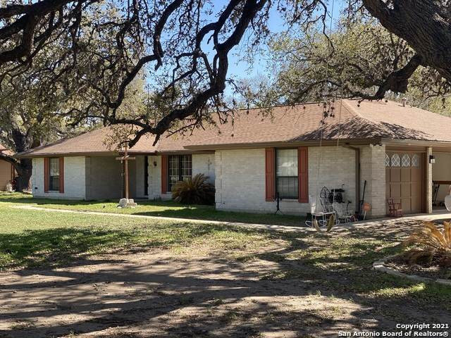 20712 Fm 471, Natalia, TX 78059 (MLS #1514847) :: 2Halls Property Team | Berkshire Hathaway HomeServices PenFed Realty