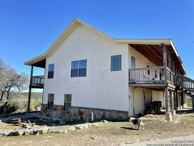750 P.R. 2414, Hondo, TX 78861 (MLS #1515055) :: The Real Estate Jesus Team