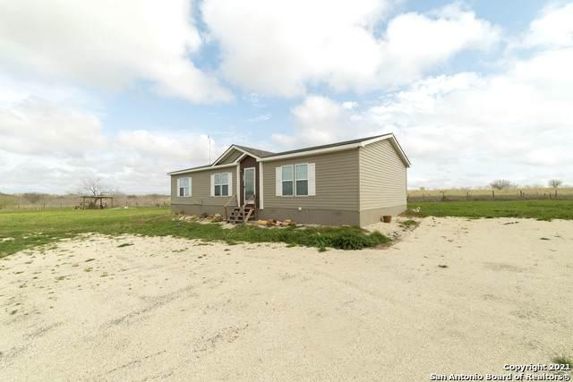 575 Maravillas Dr, Pleasanton, TX 78064 (MLS #1515119) :: Carter Fine Homes - Keller Williams Heritage