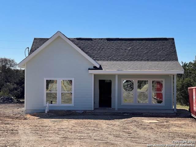1220 Diamondhead Dr, Canyon Lake, TX 78133 (MLS #1515328) :: Vivid Realty