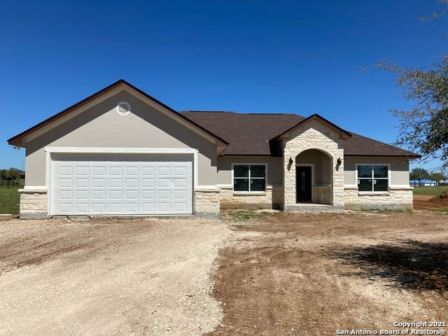 137 W Tree Farm Dr, Lytle, TX 78052 (MLS #1515439) :: The Gradiz Group