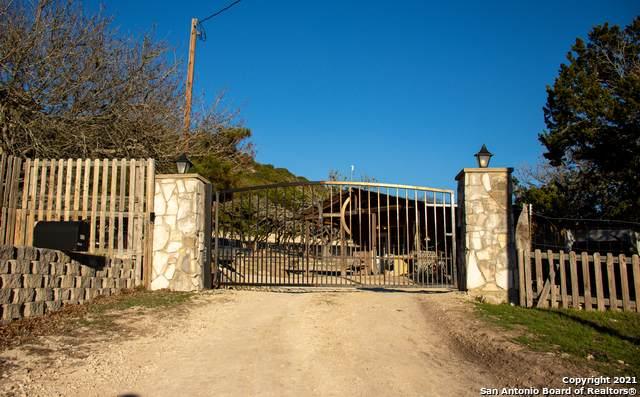 2222 Oil Well Rd, Pipe Creek, TX 78063 (MLS #1515479) :: The Gradiz Group
