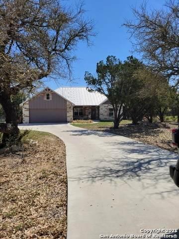 1441 Rocky Ridge Loop, Canyon Lake, TX 78133 (MLS #1515730) :: Concierge Realty of SA
