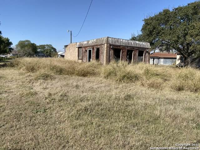 715 N Front St, Mathis, TX 78368 (MLS #1516002) :: The Glover Homes & Land Group