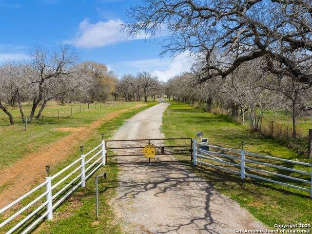 2190 Us Highway 87 W, Stockdale, TX 78160 (MLS #1516034) :: Vivid Realty