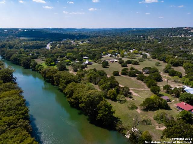 957 Highway 39, Ingram, TX 78025 (MLS #1516078) :: Vivid Realty