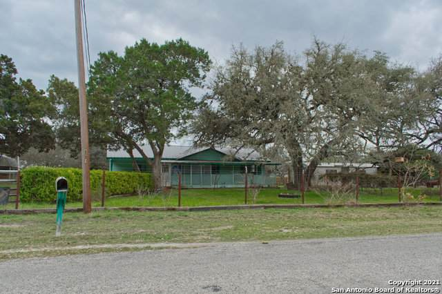 1668 Lakeview Dr, Canyon Lake, TX 78133 (MLS #1516093) :: Vivid Realty