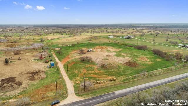 845 Elm Creek Rd, Seguin, TX 78155 (MLS #1516130) :: Carolina Garcia Real Estate Group