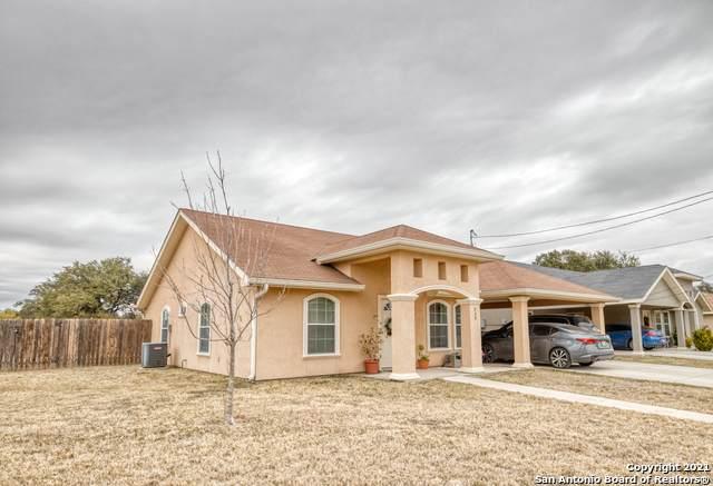 988 Fort Clark Rd, Uvalde, TX 78801 (MLS #1516134) :: REsource Realty