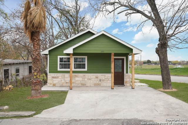 291 School Ave, New Braunfels, TX 78130 (MLS #1516276) :: The Real Estate Jesus Team
