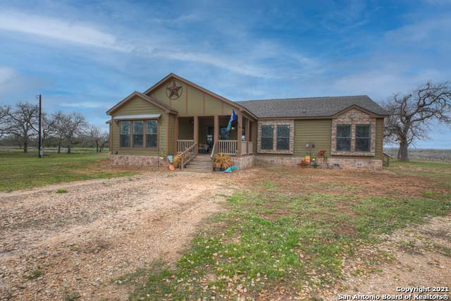 1174 Cr 441, Stockdale, TX 78160 (MLS #1516524) :: The Gradiz Group
