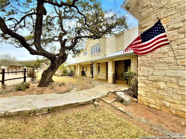 1677 Lake Ridge Rd, Kerrville, TX 78028 (MLS #1516575) :: The Glover Homes & Land Group