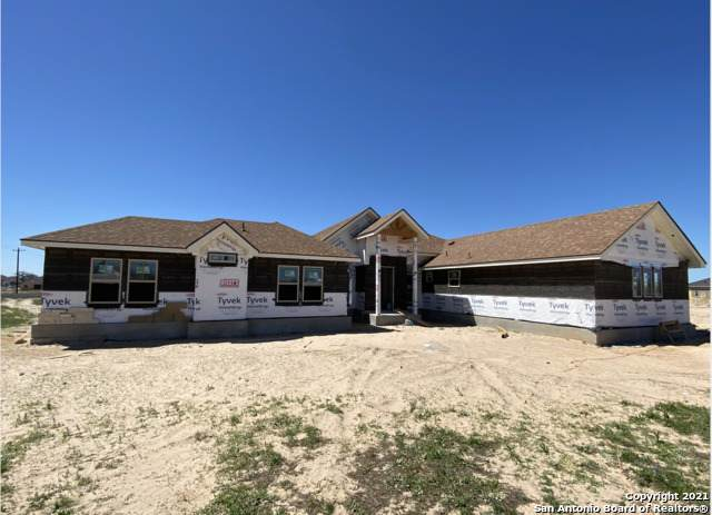 116 Ranchers Way, Floresville, TX 78114 (MLS #1516674) :: The Mullen Group | RE/MAX Access