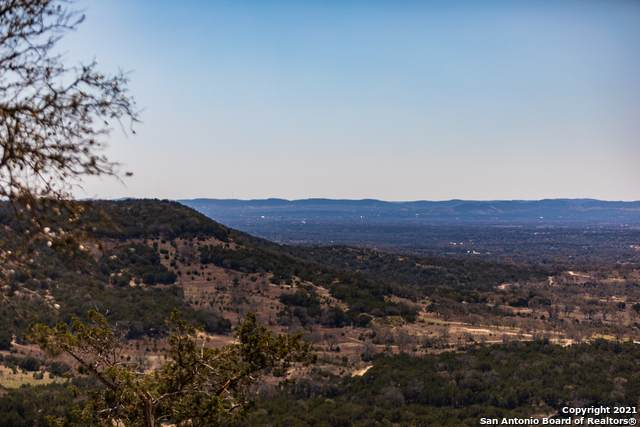 2119 Dead Poacher Trail, Bandera, TX 78003 (MLS #1516748) :: The Real Estate Jesus Team