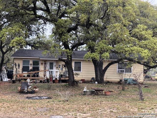 486 Woodcrest Rd, Somerset, TX 78069 (MLS #1516832) :: The Lopez Group