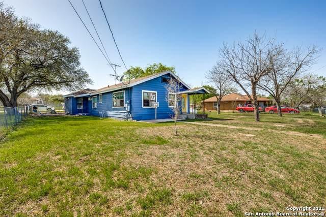 8543 Wilma Jean Dr, San Antonio, TX 78224 (MLS #1516877) :: The Gradiz Group