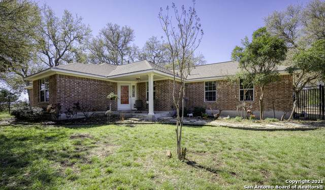 291 Mustang Crossing Dr, Pipe Creek, TX 78063 (MLS #1516897) :: Real Estate by Design