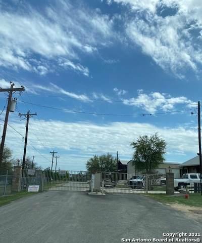 382 Enchanted River Dr, Bandera, TX 78003 (MLS #1516912) :: The Lopez Group