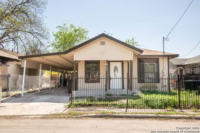 1004 Lombrano St, San Antonio, TX 78207 (MLS #1517063) :: The Gradiz Group