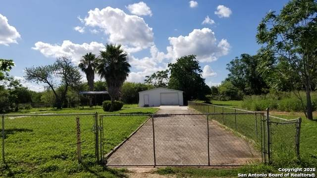 7221 Palm Park Blvd, San Antonio, TX 78223 (MLS #1517090) :: The Gradiz Group