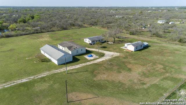 442 East Trail, Pleasanton, TX 78064 (MLS #1517126) :: The Lopez Group