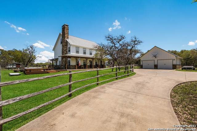 130 White Oak Trail, Boerne, TX 78006 (MLS #1517369) :: The Real Estate Jesus Team