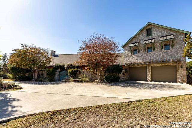 220 Highridge Dr, Kerrville, TX 78028 (MLS #1517423) :: The Real Estate Jesus Team